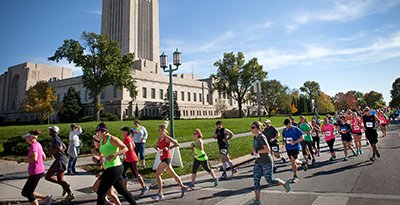 capital city classic runners running around state capitol